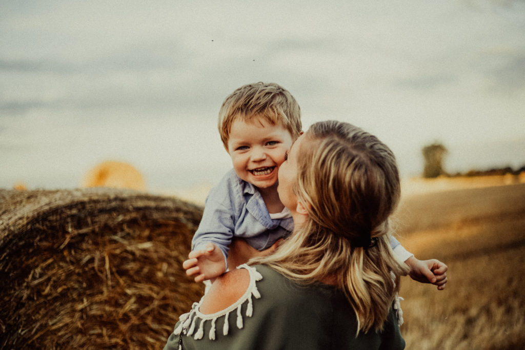 Buckinghamshire outdoor family photography in fields in Stony Stratford