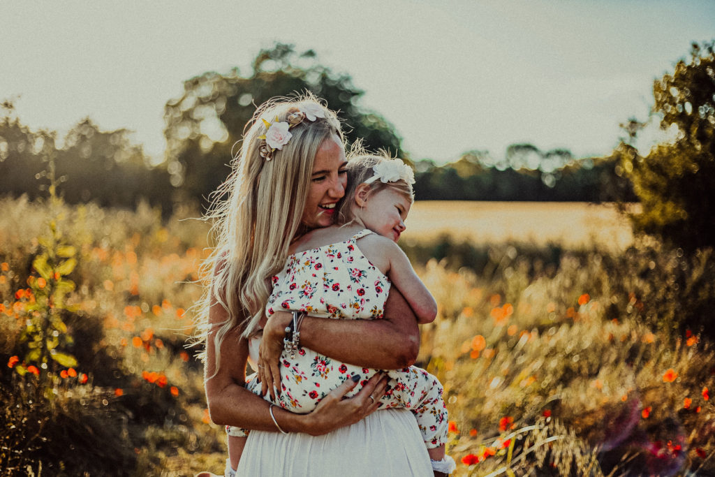 Buckinghamshire outdoor family photography in poppy fields in Stony Stratford